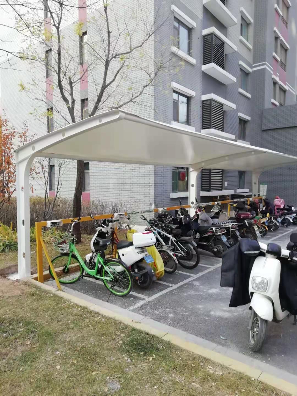 龙城湾小区膜结构停车棚