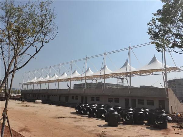 太原某体育场看台膜结构施工完成验收案例展示